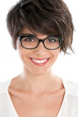 what are good hair styles for women who wear glasses